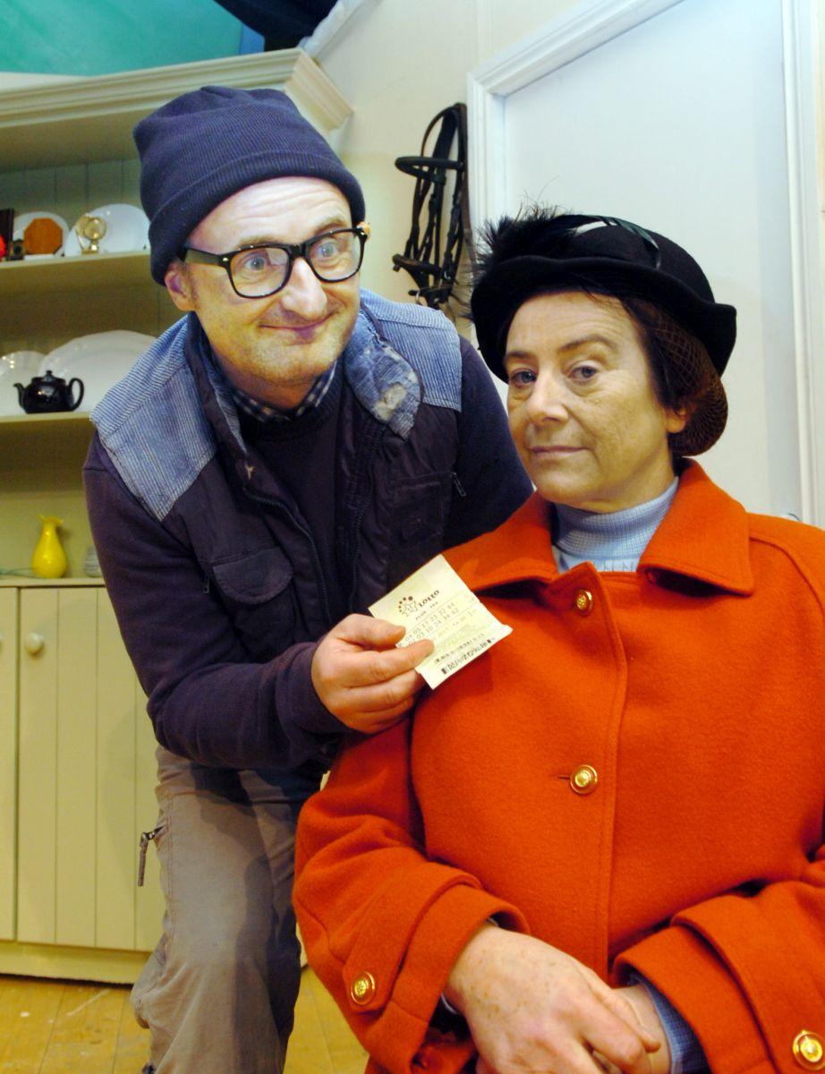 Castleconnor cast rehearse comedy play - Sligo Weekender | Sligo