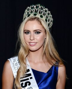 Miss Antrim Sacha Livingstone is crowned Miss Ireland 2015 Miss Ireland 2015 Finals at Crowne Plaza Santry, Dublin, Ireland - 28.08.15. Pictures: Gerry McDonnell / VIPIRELAND.COM **IRISH RIGHTS ONLY** *** Local Caption *** Sacha Livingstone (Miss Antrim) - Miss Ireland 2015