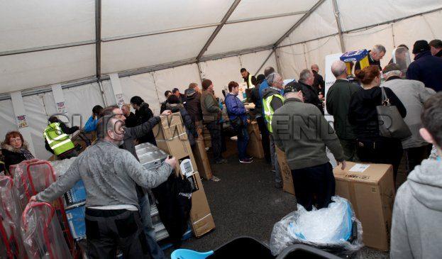 heiton till queue.jpg - Sligo Weekender | Sligo News | Sligo Sport
