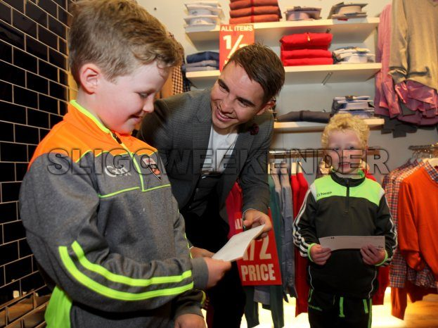 03 new boxer Mulherns autograph.jpg - Sligo Weekender | Sligo News | Sligo Sport